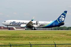 Alaska 737-900 landing at Cleveland (chrisjake1) Tags: cle kcle cleveland hopkins alaska n280ak 737900er 737900 739 b739 boeing durant