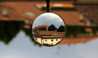 Inverting lens