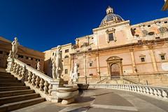 Palermo - Piazza Pretoria (1554 AD) (bautisterias) Tags: palermo sicily sicilia southernitaly italy unesco arabnormanpalermo d750 sunny blueskies