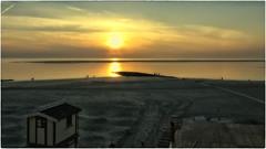 Sunset Borkum (Heinze Detlef) Tags: insel borkum wasser meer nordsee sonne sunset licht urlaub urlauber sand strand sonnenuntergang