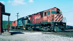 4245_09_30 (4)_crop_clean (railfanbear1) Tags: railroad locomotive cp bm alco