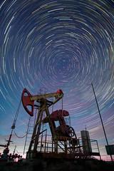Все вращается вокруг нефти. Everything revolves around oil. (andrianov.s) Tags: startrails andrianov gomel belarus stars звезды гомель беларусь андриянов нефть oil