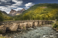 Stone bridge (Sizun Eye) Tags: norway stone bridge landscape mountains sizuneye nikond750 moreogromsdal nikon24120mmf4 nikkor 24120mm