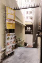 X02T4231 (kingston Tam) Tags: street life human streetscenes city photojournalism streetphotography people door gate walk walker pedestrian fujifilmxt1 soho bar