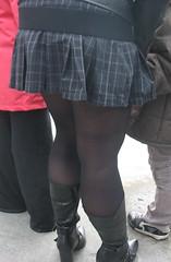 1080 (SadCire) Tags: woman female frau femme mujer girl mädchen fille mother milf thigh tights pantyhose stockings calves legs kilt miniskirt minidress skirt dress heels street strabe rue calle candid sexy leather