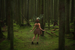 Lost my head there (Lichon photography) Tags: canada canadian cosplay costume cosplayer female fantasy fairy forest britishcolumbia lost nature landscape woman girl deer pokemongijinka pokémon lichonphotography