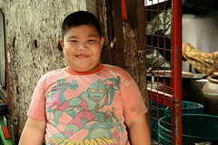 hefty boy (the foreign photographer - ฝรั่งถ่) Tags: hefty fat boy khlong thanon portraits bangkhen bangkok thailand canon