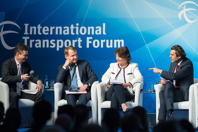 Nicolas Bouvier, Nikolay Asaul, Anne Berner and Ali Aslan in discussion