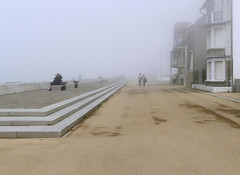 Wissant in the mist (JLM62380) Tags: shadow people maisons digue wissant beach mist fog brume plage france