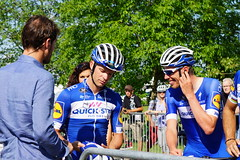 TdS18: The Wolfpack chatting with Spartacus (Huygens! aka GSatiFan) Tags: tour de suisse teame time trial ttt stage etappe 1 2018 quick step floors wolfpack spartacus fabian cancellara gilbert philippe gaviria fernando declercq tim keisse iljo lampaert yves mas nicolau enric richeze ariel maximiliano