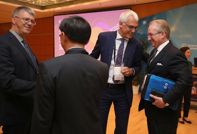 Chong Meng Tan, Jan Hoffmann, Luc Arnouts and Eugene Seroka discuss