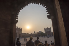 Arched view (Tim Brown's Pictures) Tags: india uttarpradesh fatehpursikri palace tomb akbar akbarthegreat moghulempire visitors tourism historic architecture buildings color mughal jamamasjid fridaymosque up worldheritagesite unesco