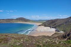 Peaceful Irish Beach (Evoljo) Tags: beach sand view water sea cliffs grass plants donegal ireland nikon d500