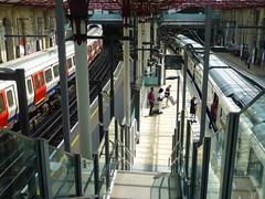 S-Class700-Farringdon-P1460018 (citytransportinfo) Tags: train railway thameslink station platform sunshine farringdon london underground sstock class700
