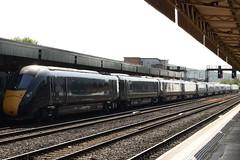 GWR 800028 and 800033 @ Cardiff Central station (ianjpoole) Tags: great western railway class 800 iet 800028 800033 working 1b46 london paddington swansea gwr
