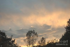 Mountain clouds (Aliceheartphoto) Tags: fineartamericaartist photography camera fineartamerica faa photographer pixelsartist pixels clouds cincinnatiphotography cincinnati ohio sky trees landscape nature mountains cloudshapes clouddesign peaks sony cybershot