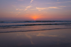 The beach (Jana`s pics) Tags: beach beachflair sunset strand sonnenuntergang evening eveningmood abend abendstimmung ozean meer nordsee northsea waves wellen water wasser beautiful sky himmel colorful landscape landschaft landschaftsfotografie landscapephotography