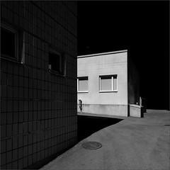 Remnants of Prosperity (Olli Kekäläinen) Tags: work4410 nikon d800 photoshop ok6 square ollik 2018 20180611 bw blackandwhite kannelmäki helsinki suomi finland dark corner windows