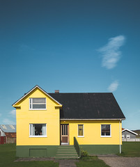 The yellow one (Frédéric T. Leblanc) Tags: yellow jaune blue blueness sky architecture iceland icelandic house color colors warm cold cinema cinematic capture view place travel traveller travelling document documentation documentary teen teenager amateur fun vibe create explore exploring exploration canon 5d mk3 mark3 mkiii markiii