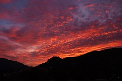 Atardecer Rojo .........   XT63 vp (valorphoto.1) Tags: seleccioónvp paisaje natural nubes atardecer sunset color cielo sky cel photodgv