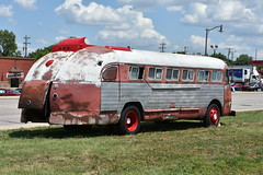 Route 66 Festival - Lebanon, Missouri 2018 (Adventurer Dustin Holmes) Tags: 2018 festival event lebanonmissouri lebanonmo lacledecounty missouri route66festival bus route66 lebanonroute66festival vehicle vehicles automobile automobiles carshow carshows rusty old antique classic