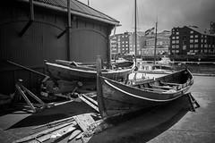 Rowboat maintenace (Helena Normark) Tags: åfjordsbåt åfjordsbåter rowboats woodenrowboats traditionalrowboats trondheim sørtrøndelag norway norge sonyalpha7ii a7ii carlzeissdistagont28mmf28 cy28mm28 28mm