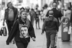 Sam Smith (Frank Fullard) Tags: frankfullard fullard candid street portrait monochrome blackandwhite blanc noir tshirt advertisement dublin irish ireland merchandise
