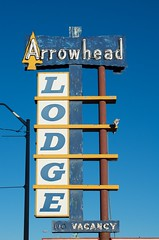Arrowhead Lodge (dangr.dave) Tags: gallup nm newmexico sign neon neonsign route66 mckinleycounty arrowheadlodge