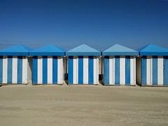 cabines 3 (_wysiwyg_) Tags: plage beach seaside sea seasideresort cabines beachhuts stationbalnéaire blue bleu mobilephotography minimalism