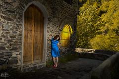 Tardes de añoranza (Carmen D.R) Tags: modelo granada güejar luz iluminacion flashes naturaleza nature mujer canon