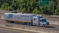 Freightliner Cascadia (NoVa Truck & Transport Photos) Tags: big bunk freightliner cascadia united van lines all chicagoland moving storage