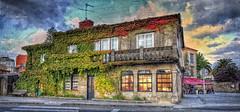 (326/18) Una de las casas más bonitas de Cambados, ... (Pablo Arias) Tags: pabloarias photoshop photomatix capturenxd españa cielo nubes arquitectura hiedra casa edificio cambados pontevedra galicia
