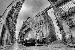 Paths (Rickydavid) Tags: palermo streets strade viaalbergheria blackwhite biancoenero bw bn streetphotography hdr samyang 8mm fisheye