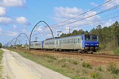 20 avril 2013  z 7337  Train 867166 Tarbes -> Bordeaux  Croix d'Hins (33) (Anthony Q) Tags: z7337 20 avril 2013 z 7337 train 867166 tarbes bordeaux croix dhins 33 sncf ferroviaire ter aquitaine gironde z2 z7300 um
