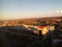 11-09-17 Dayton 03 fall color (Chicagoan in Ohio) Tags: dayton clouds sun sunhalo leaves fallcolor