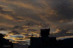 Amanecer en Santiago de Chile, Junio 5 (jeckafou) Tags: sunrise clouds nubes santiago amanecer dawn nature chile losandes cordilleradelosandes precordillera mountains winter invierno