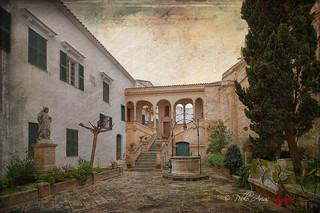 (313/18) Edificio sede la Diócesis de Menorca