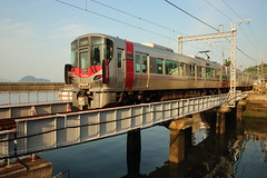 Coast line (Teruhide Tomori) Tags: 日本 広島 竹原市 忠海 漁港 忠海港 ローカル線 鉄橋 各駅停車 countryside japan japon tadanoumi hiroshima takehara train jr japanrailway kureline railroad bridge port boat railway local