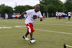 "2018-tdddf-football-camp (226) • <a style=""font-size:0.8em;"" href=""http://www.flickr.com/photos/158886553@N02/40615546540/"" target=""_blank"">View on Flickr</a>"