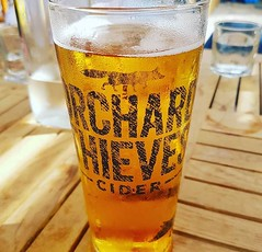 Sunny afternoon. Perfect company. (Isa_bel1) Tags: london orchardthieves cider