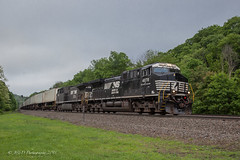 NS AC44C6M #4078 @ Lilly, PA (Darryl Rule's Photography) Tags: 1943 2018 amtrak clouds cloudy diesel diesels emd freight freightcar freighttrain freighttrains ge helpers may middledivision mixedfreight ns norfolksouthern ocs passenger passengertrain railroad railroads sd70ace spiritoftheunionpacific spring train trains up unionpacific westslope