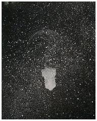 SENOGRAFIA DIA 2 00000005 (Arthur Pontes) Tags: lâmpada luz darkroom experimental fotografiaexperimental estrelas stars sky céu ampliador galáxias névoa mascara cameraless planetas