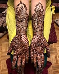 It's the weekend! 💫 _ #touchofdimple #gtabrides #gtahenna #torontohennaartists #bridal2018 #bridalhennaartist #bramptonbridalmehandiartist#bramptonmua#bramptonartist#bramptonhennaartist #7enna #lashkaraa #sangeetmehndi #desibride #gtahennaartist #in (Dimple Shah) Tags: mehndi henna tattoo makeup airbrush fashion wedding dimpleshah