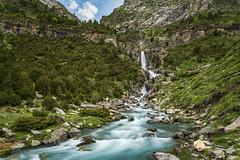Cascada de Lalarri (sostingut) Tags: d750 nikon tamron haida valle cascada río montaña verde bosque pirineos primavera agua