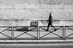 Solo◾️ Paris 15e - Novembre 2017 (nassimjaouen) Tags: paris15 canonal1 ilford ilfordhp5 hp5 believeinfilm filmisnotdead thefilmcommunity filmphotographer filmphotography filmisalive filmshooters filmcommunity streetphotographyparis parisstreetphotography streetphotography streetlife streetphotographer everybodystreet streetperfection fromstreetswithlove lifeisstreet bestofstreet streetphotoclub streetshot zonestreet bcncollective bnwlife bnwcaptures bnwsociety