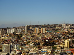 Valparaiso (lugar.citadino) Tags: city cityscape place downtown town suburbs suburban suburb architectural architecture buildings building tower skyline houses house street avenue road urban urbanscape land landscape aerial view sight panoramic panorama horizon far next miniature small boxes streetphotography urbanphotography urbanexploration photography photo picture exploration explore discovery discover travel trip destiny holiday summer latinamerica americalatina southamerica sudamerica chile regióndevalparaíso granvalparaíso ciudaddevalparaíso valparaíso valparaiso valpo viñadelmar quilpué villaalemana cerrosdevalparaíso cerroalegre cerrobarón cerropolanco sky hill mountain clear