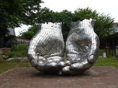 Hands (Granpic) Tags: suffolk woodbridge sculpture hands woodbridgequaychurch steelsculpture rickkirby