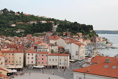 "Pogled na Piran • <a style=""font-size:0.8em;"" href=""http://www.flickr.com/photos/102235479@N03/42061010244/"" target=""_blank"">View on Flickr</a>"