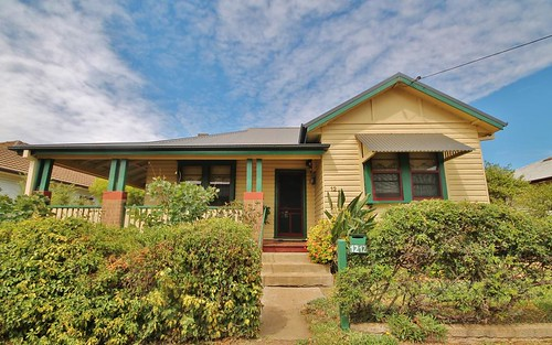 12 Miro St, Young NSW 2594