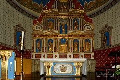 Ainhoa, Pyrénées-Atlantiques, en région Nouvelle-Aquitaine. ( photopade (Nikonist)) Tags: eglise xiiièsiècle églisechâteau autel mac imac apple architecture afsdxvrzoomnikkor1685mmf3556ged nikond7100 nikon